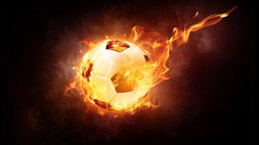 【サッカー・フットサル】女性必見!ボールを蹴るコツ|インステップ編(動画有り)